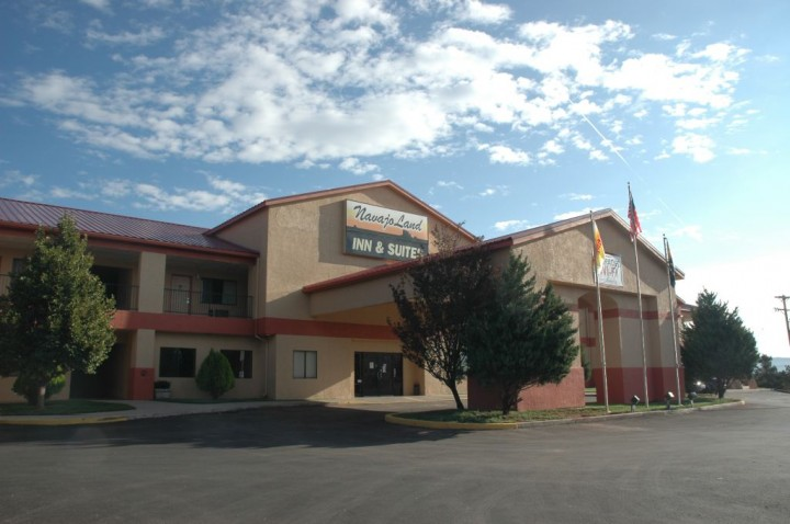 Navajoland Inn & Suites Hotel Saint Michaels & Window Rock AZ