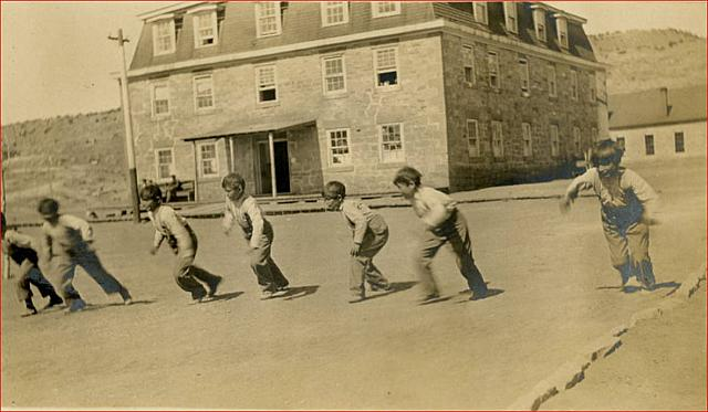Navajo boys racing, Fort Defiance, Arizona 1909-2