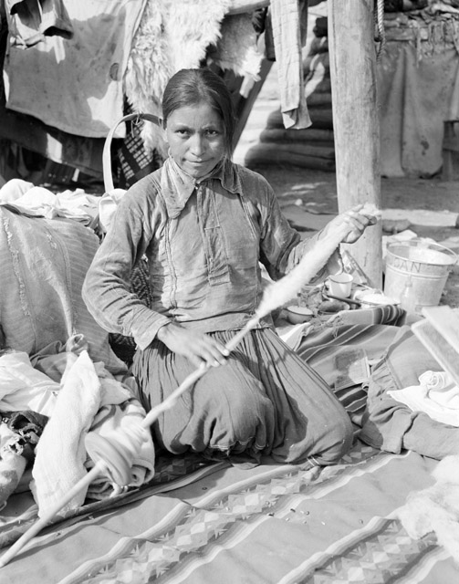 Pictures of navajo women